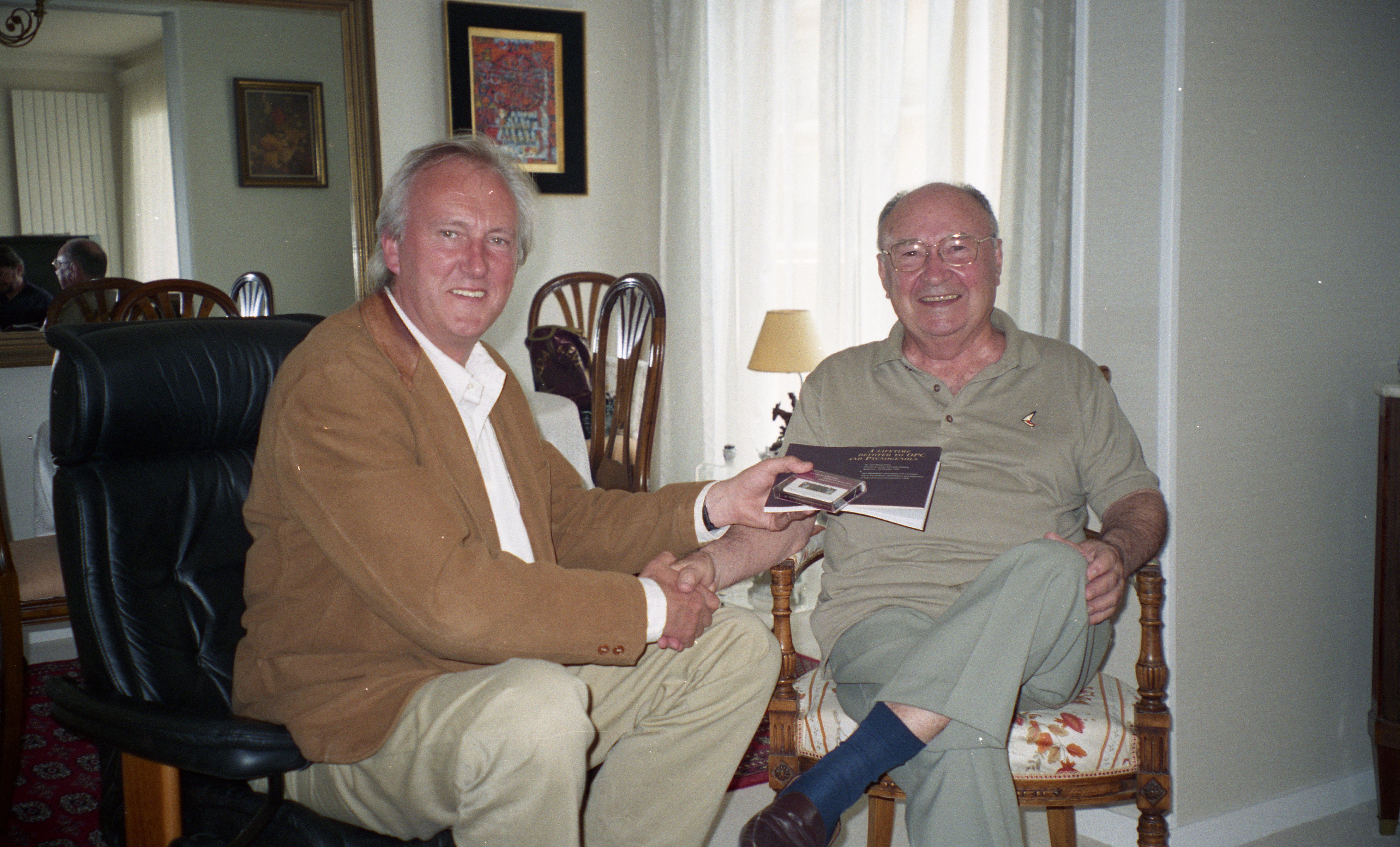 Dr. Jack Masquelier & Dr. Bert Schwitters erläutern die Wirkung von OPCs auf Masqueliersopcs.com/de.